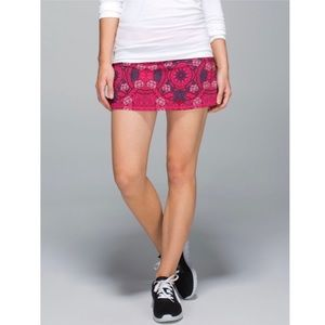 Lululemon Run Pace Setter Floral Ruffle Skirt